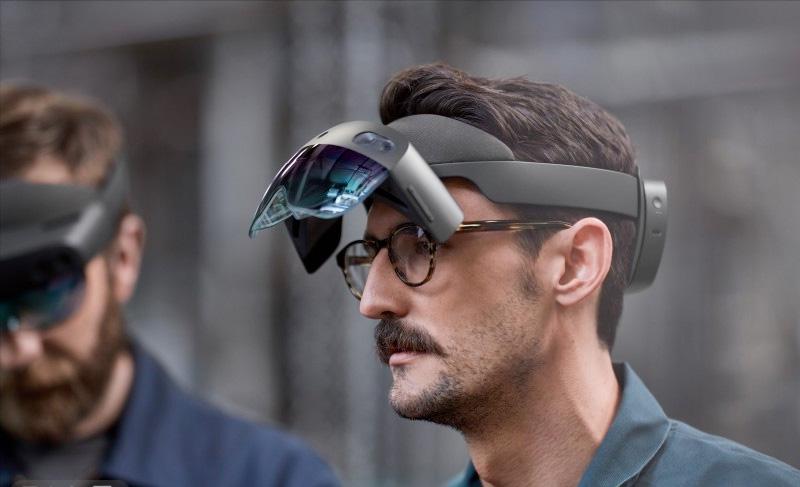【视频播放】搞机零距离:微软全新的HoloLens 2